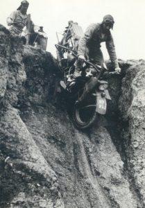 65-89XR42FortCarson1944